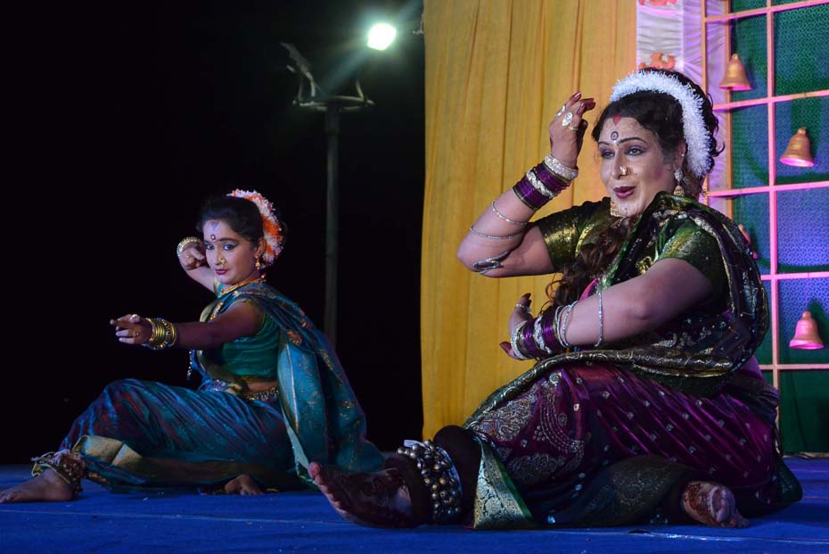 LAVANI DANCE PERFORMANCE BY DR BHARATH JETWANI AND TEAM 1