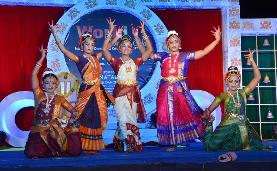 SWATCH BARATH KUCHIPUDI DANCE PERFORMACE BY NMDA STUDENTS